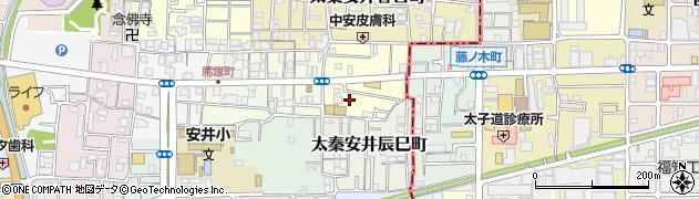 京都府京都市右京区太秦安井藤ノ木町周辺の地図