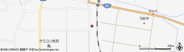 山形県東置賜郡川西町上小松2313周辺の地図